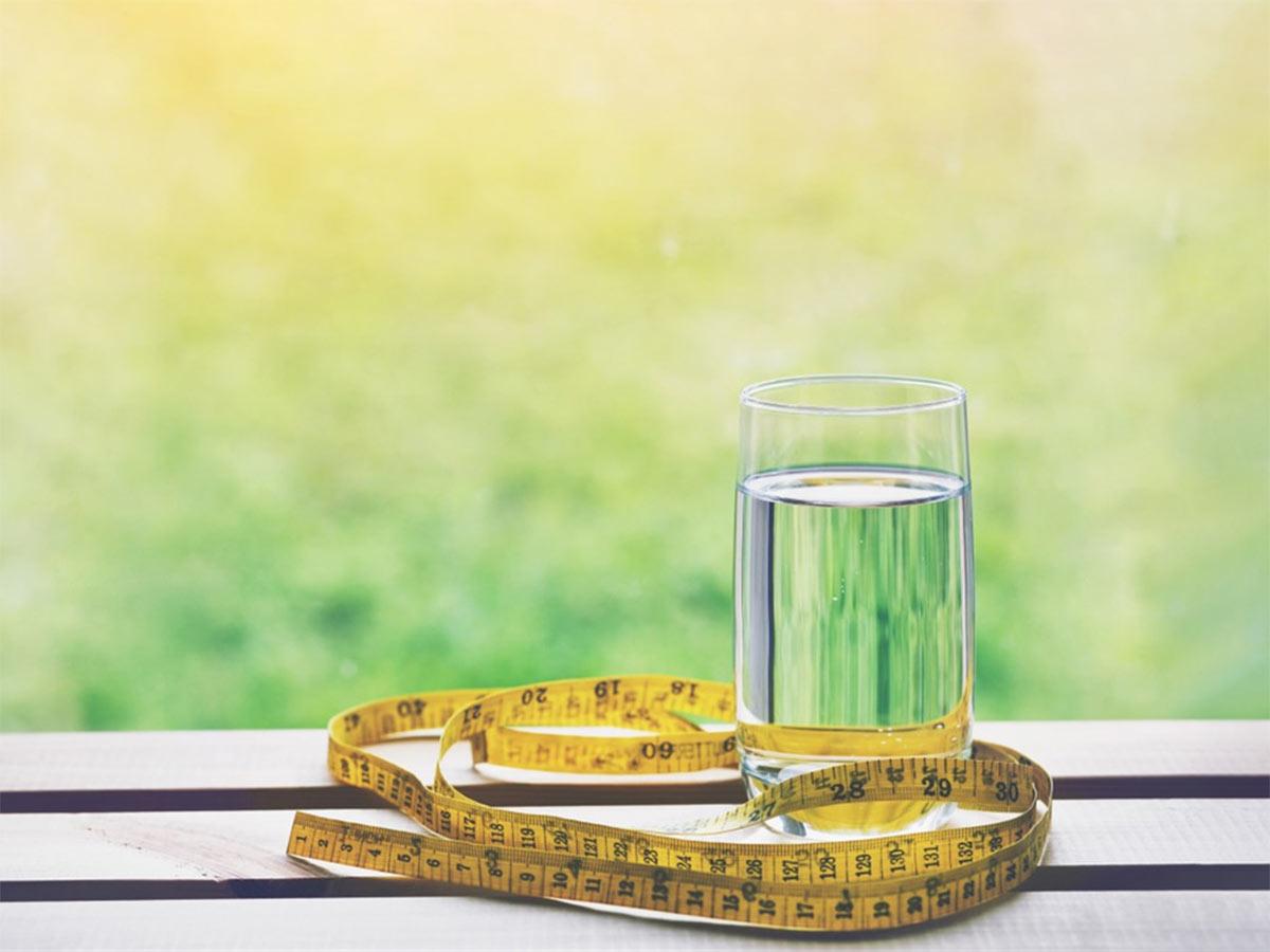 dieta cu apa dimineata)